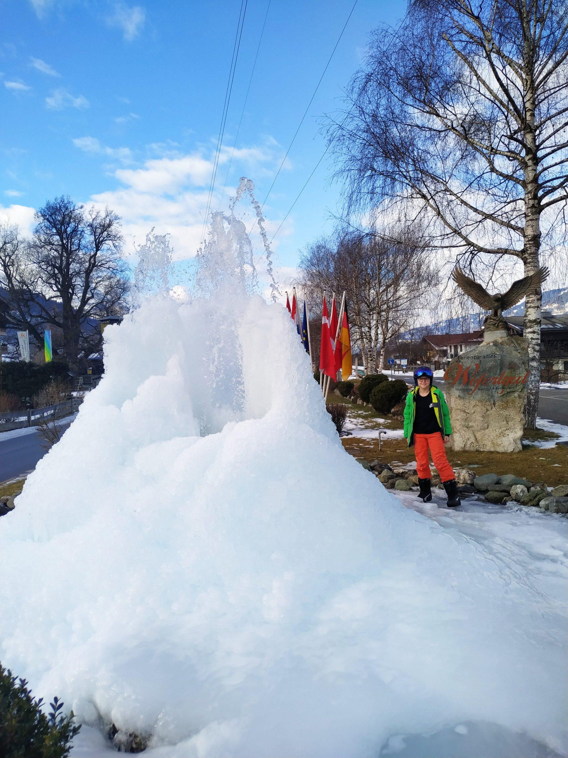Eingefroreren Brunnen des Sportcamp Woferlgut