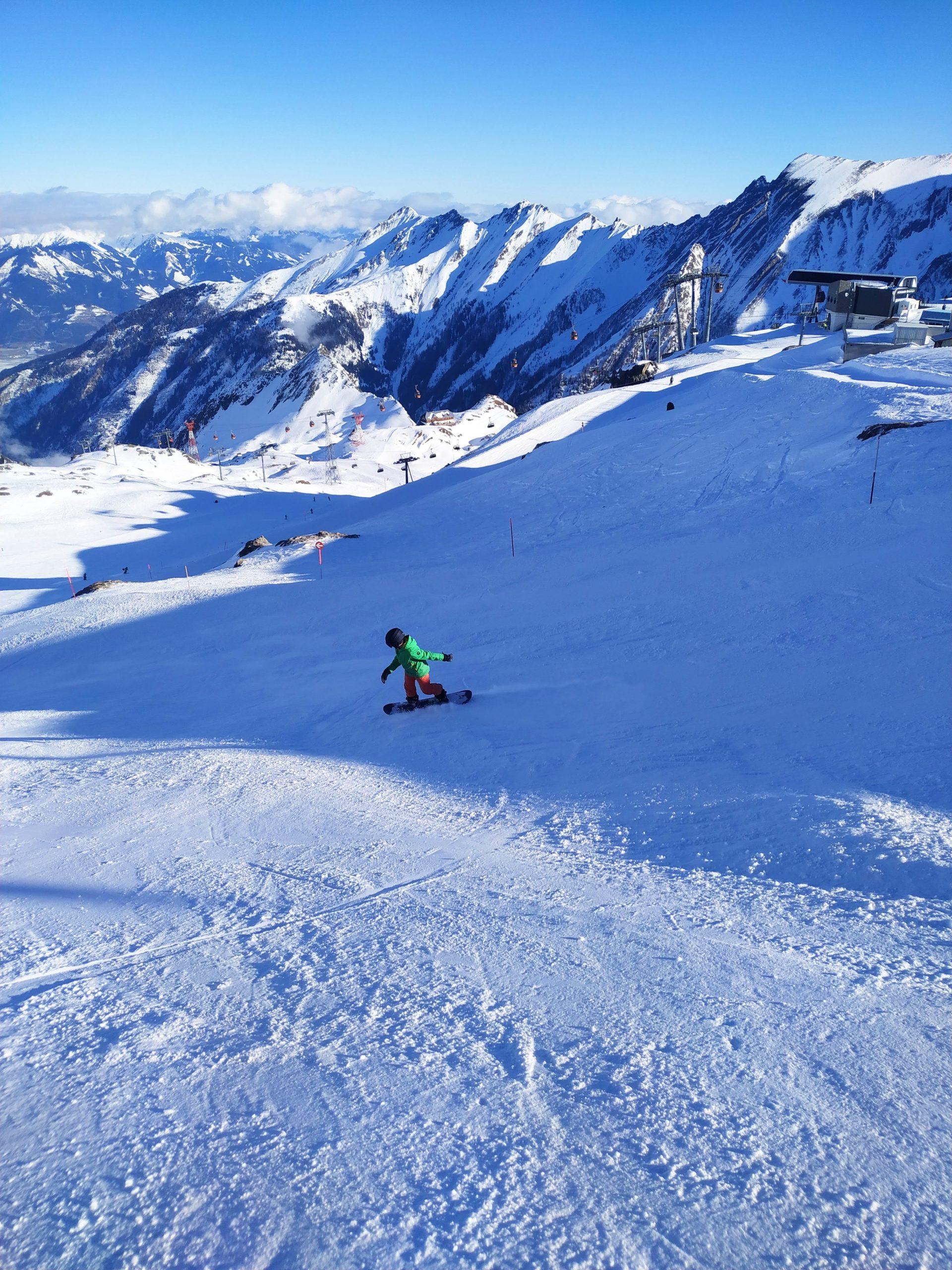 Bavarian Camper Kids auf dem Snowboard